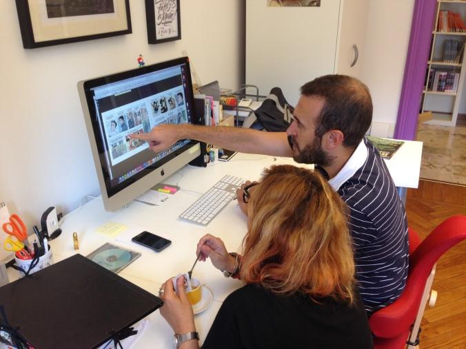 Vanna e Lorenzo al lavoro sulle tavole del libro.